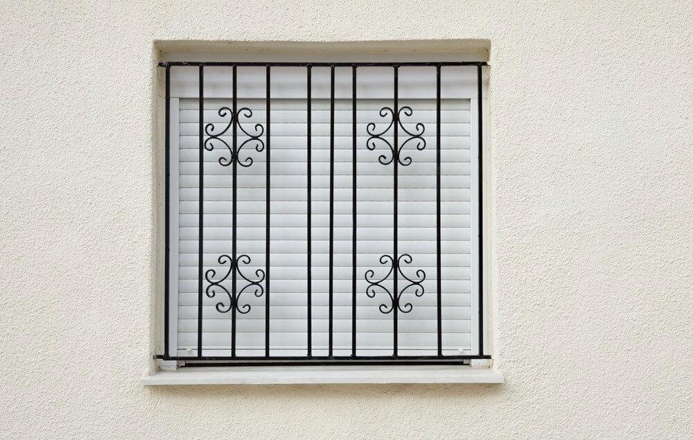 סורג ברזל מעוצב לחלון