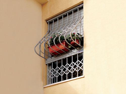 סורג נגד נפילת ילדים מהחלון