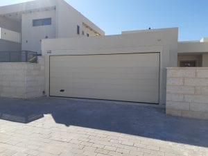 שער חנייה פרטית לבית פרטי