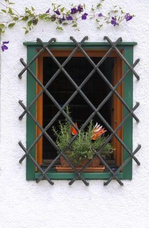 סורג ברזל לחלון
