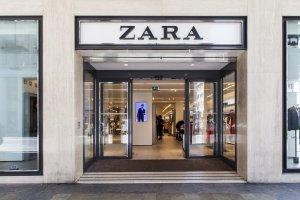 דלת זכוכית חשמלית לכניה לחנות בקניון או בשדרת חנויות
