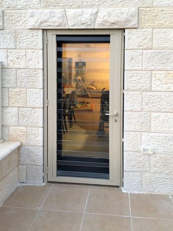 דלת סורג