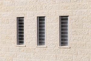 סורג שקוף לחלון צר ארוך