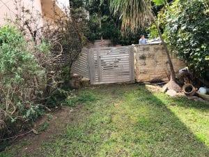 שער כניסה לחצר מברזל