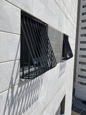 סורג בטן לחלון להרתעה מפני פריצות