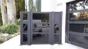 שער כניסה זכוכית