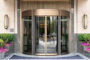 דלת כניסה אוטמטית