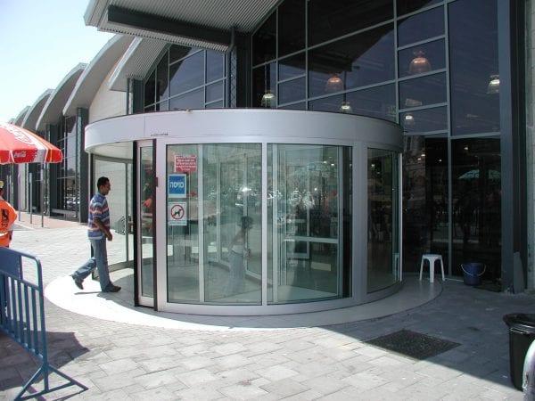 דלתות למרכזי קניות
