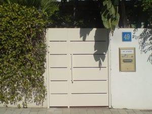 שער אלומיניום - כניסה לחצר בית פרטי - אלטרון