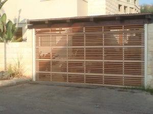 שער חנייה מתרומם - דמוי עץ