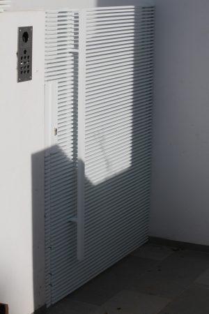 שער כניסה פשפש לחצר
