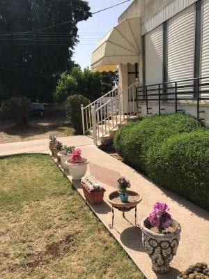 מעקה מדרגות לחוץ הבית