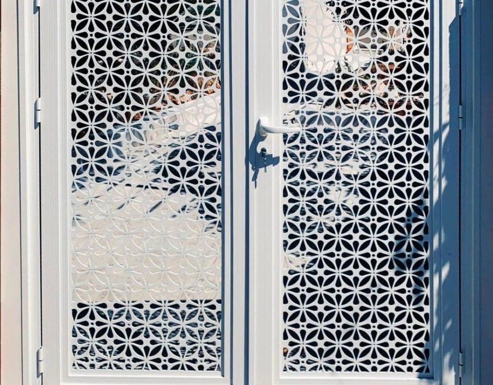 דלתות אלומיניום למטבח חוץ