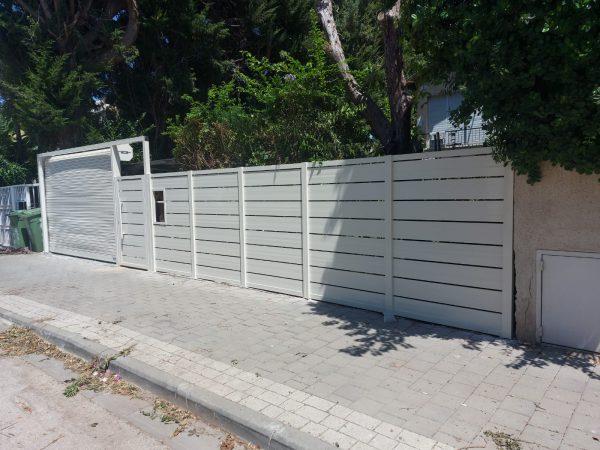 שער אלומיניום משולב גדר אלומיניום משולב תריס גלילה לחנייה