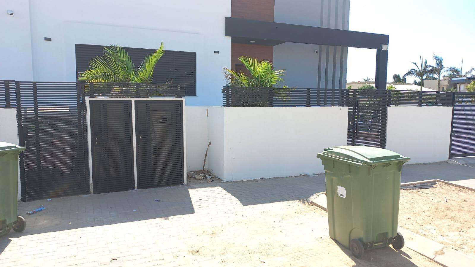 תמונה נוספת של שער לבית