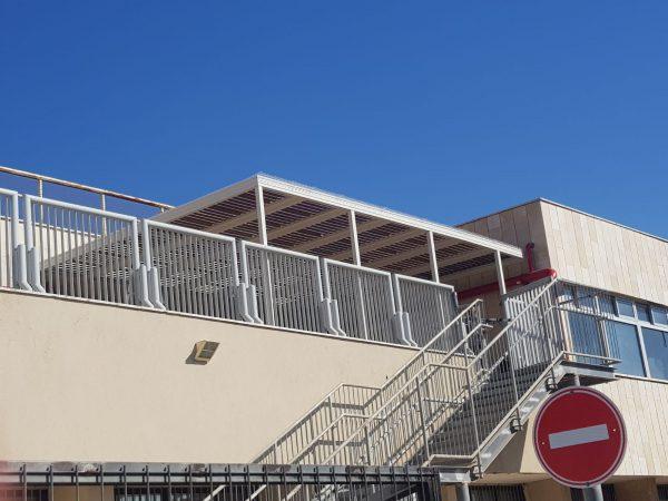 התקנה של פרגולה למרפסת