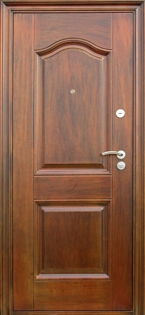 דלת כניסה מאלומיניום דמוי עץ
